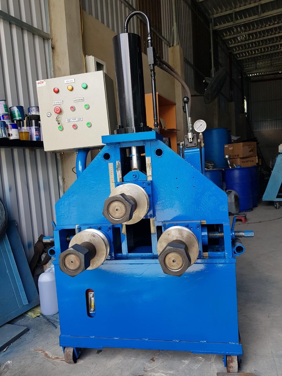 Máy uốn ống thuỷ lực 3 trục