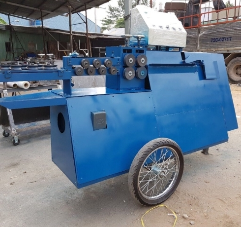 Máy bẻ đai sắt có bánh xe kéo