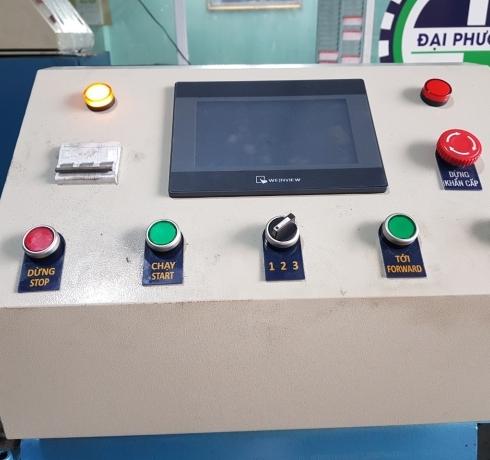 Tủ điện điều khiển hoạt động máy
