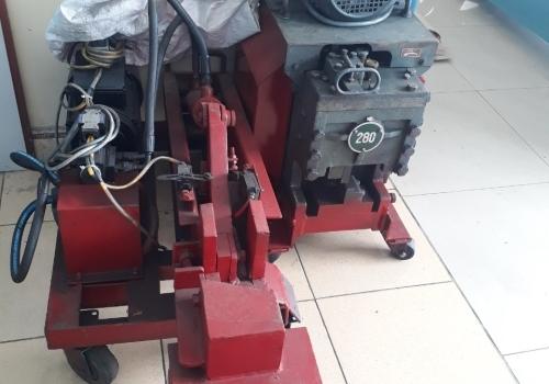 Máy cắt uốn sắt cây liên hợp