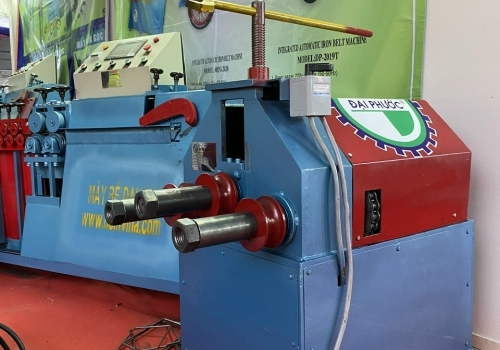 Máy uốn ống 3 trục dạng máy cơ